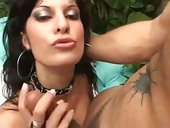 Latina fucked up the asshole outdoors