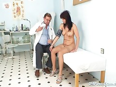Livie - Livie Gyno Milf Pussy Speculum Exam On Gynochair