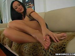 Melissa Lauren - Magical Feet - The Perfect Girl The Perfect Foot Job