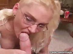 Jaqui Toi - Nasty MILF Gives Head