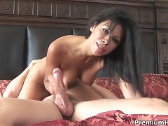 Cassandra Cruz - Skilled Bitch Cassandra Cruz Making Nice Handjob And Takes A Load On Tits