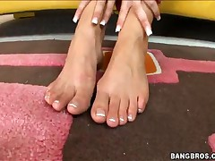 Allie - Allie Is Doing Nasty Things With Her Feet