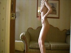 Jackie Robin - Sexy Blonde Jackie Robin Shaking Up Her Nice Smooth Ass