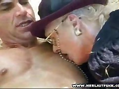 Senile Granny Fucked In The Park