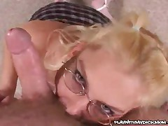 Jaqui Toi - Lovely MILF Shows Her Blowjob Skills