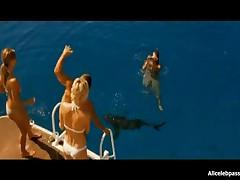 Jessica Alba - Jessica Alba Exposes Her Nice Butt