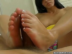 Veronica Rayne - Magical Feet - Make It Rayne Jizz On My Feet