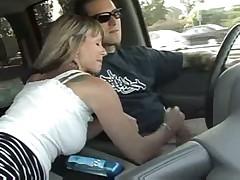 Milf handjob in a car