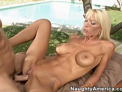 Bianca Noble Vs Mikey Butders - My Friends Hot Mom