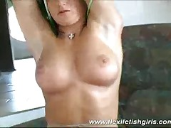 Beauty Babe Spreading Pussy And Teasing Wild On The Couch