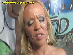 Blonde Is Sucking To Get All Blacks Facial