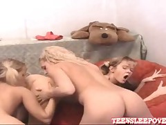 Teen Gets Naked Sexy