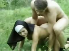 Feuchte Nonnen
