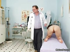 Doctor Inspecting A Mature Mom Her Pussy With A Speculum By MaturePussyExams