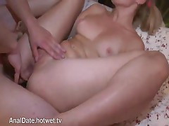Horny Teen Gets A Pussy Lick And A Finger Up Her Pinkies