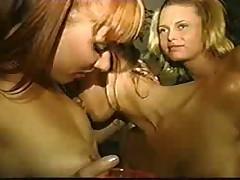 Sexy Lesbians Sucking Pussy