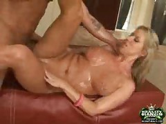 Carolyn - Big Naturals Fully Frosted
