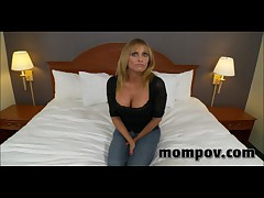 Big Tit Milf Fucking In Hotel Jacuzzi