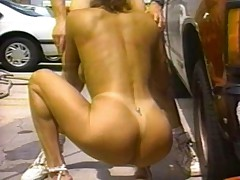 Candy Vegas washing car