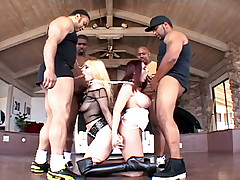 Woman Master Gives Orders To Her Blonde Slave To Blow 4 Men