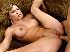 Amazing beauty spreads her legs to be drilled with passion