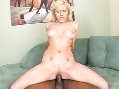 This hot squirting bitch like a huge dick deep in her pussy.