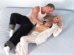 Hot dude being sucked finally fuck this nice blonde chick!