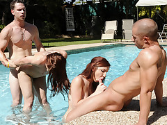 Amazing Sex Performed By Couples Fucking In The SwimmingPool