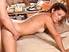 Angel Capri's looking for some fast cash to pay her landlord