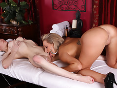 As she started rubbing Paris's body Samantha got undressed