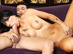 Stunning busty dark-haired Milf has a few free hours to play