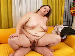 Kinky fat MILF rides that hard cock like an expert here!