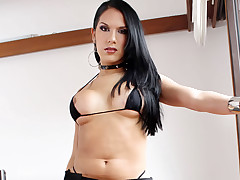 Tranny Playing With Her Hard Dick And Her Big Boobs On Cam!