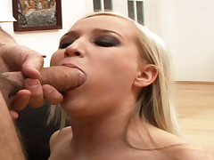Gal in heat lets a dick enter in her mouth & cum on her face
