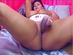 Chubby Latina plays with herself