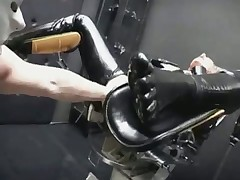 Latex Fisting