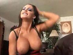 Sexy MILF Jenna Presley