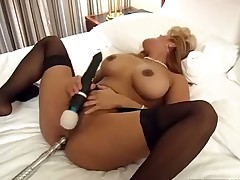 Sexy Asian Maxine hotel slut