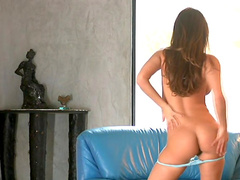 Solo girl Andie Valentino is showing her ass