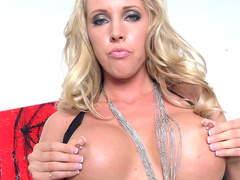 Samantha Saint pokes her tight pussy with dildo