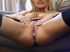 Blonde models her hot box solo