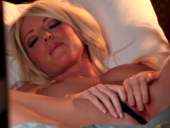 Hot night with lonely blonde bombshell