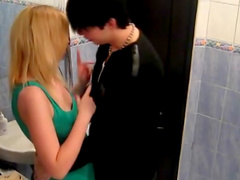 Ilona is making blowjob in the bathroom, take a look