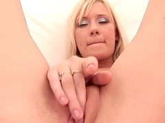 Finger fucking spectacle with lusty Brooke