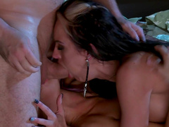 Alektra Blue and Brooklyn Lee sucking tasty balls