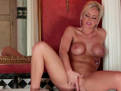 Cute blonde Lacey Foxx bangs her nice hole