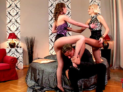 Babes Gitta Blond and Wiska are fucking with one dick