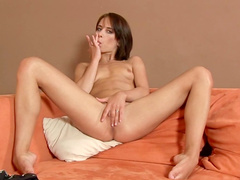 Brunette Jesica is drilling her nice asshole