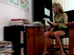 Sweet office chick is masturbating her trimmed hole
