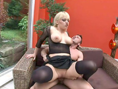 Blonde crave to get sperm in her mouth after anal sex